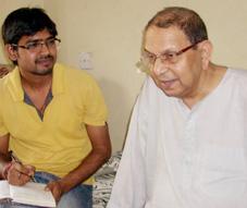 अच्युतानंद मिश्र के साथ अशोक कुमार