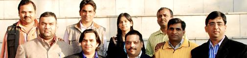 आईआईएमसी में अपने बैच के साथियों के साथ सुप्रिय प्रसाद.