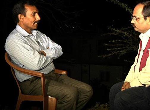 संजीव चौहान पाकिस्तान की कोट लखपत जेल में सरबजीत सिंह के साथ बंद रहे भारतीय क़ैदी गोपाल दास के साथ...गोपाल दास 28 साल बाद पाकिस्तान से छूटकर आये